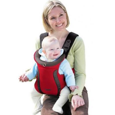 катание на горных лыжах с ребенком в рюкзаке